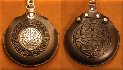 Flask Pouch Celtic Knot in Black