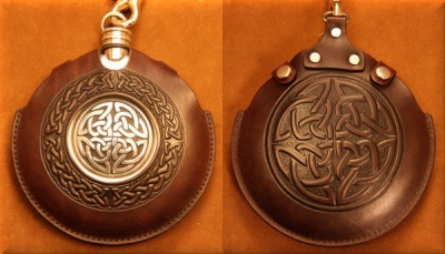 Flask Pouch Celtic Knot in Mahogany