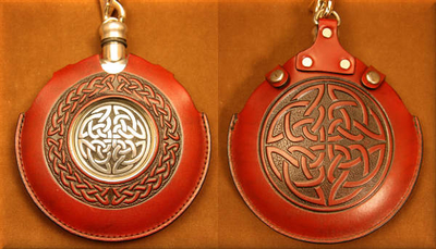Flask Pouch Celtic Knot in Red