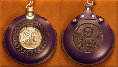 Flask Pouch Skull in Purple